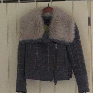 Banana Republic short jacket with faux fur collar